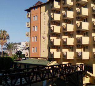 Verbindungsbrücke zum neuen Gebäude  Hotel Arabella World