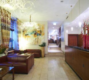 Reception Small Luxury Hotel Das Tyrol