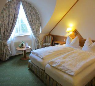 Zimmer mit Bett Hotel Ambiente (Hotelbetrieb eingestellt)