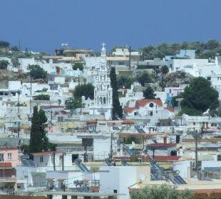 Blick auf Archangelos Hotel Karavos