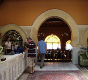 Rezeption Hotel Alhambra Palace