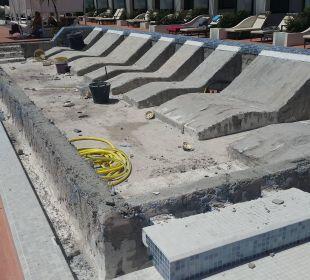 Wiederherstellung des Pools auf d. Premiumterrasse Hotel Barceló Jandia Club Premium