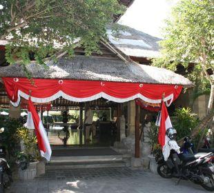 Haupteingang Hotel Bali Agung Village