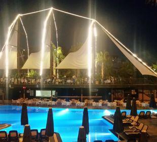 Schiffsrestaurant bei Nacht Hotel Can Garden Resort