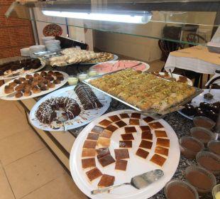 Zákuskový bufet Hotel Krizantem