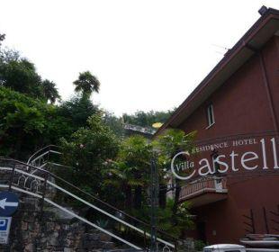 Haupthaus und Treppe Hotel Residence Castelli