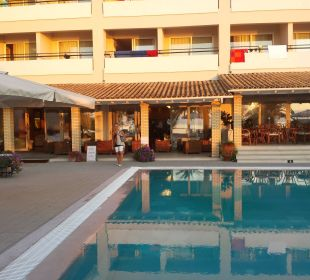 Aug 16 - Salzwasserpool Hotel Elea Beach