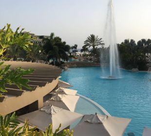 Abends mit Fontäne Lopesan Villa del Conde Resort & Spa