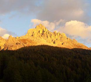 Alpenglühen vom Balkon aus zu sehen Piccolo Hotel Obereggen