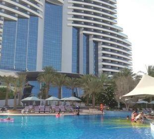 Exterior pool and hotel veiw Hotel Le Meridien Al Aqah Beach Resort