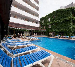Piscina  Hotel Xaine Park