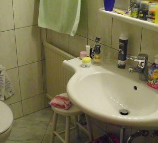 Das Bad im Komfortzimmer 202 Hotel Trattlerhof