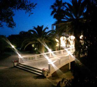 Auffahrt/Eingangsbereich Hotel Paradise Corfu