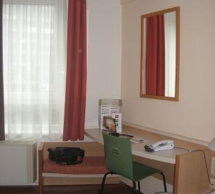 Kleiner Schreibtisch Hotel Ibis Bochum Zentrum