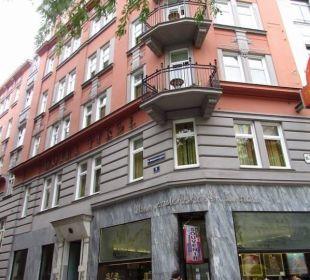 Street view Small Luxury Hotel Das Tyrol