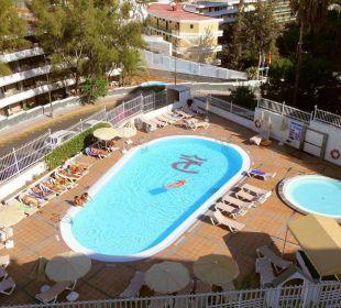 Außenansicht vom Balkon Hotel Dorotea