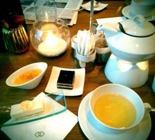 Club lounge tea time  Hotel Sofitel Berlin Kurfürstendamm