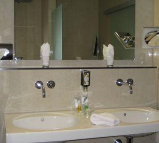 Bad der Junior Suite Berghotel Ilsenburg
