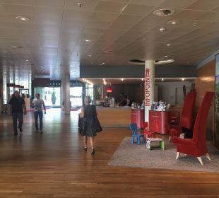 Funktionaler Lobby-Bereich Kongresshotel Potsdam am Templiner See