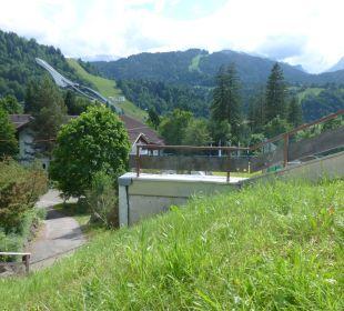 Ausblick vom Haus IV auf Skisprungschanze Dorint Sporthotel Garmisch-Partenkirchen