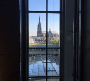 Ausblick vom Aufzug auf den Dom Dorint Hotel am Heumarkt Köln