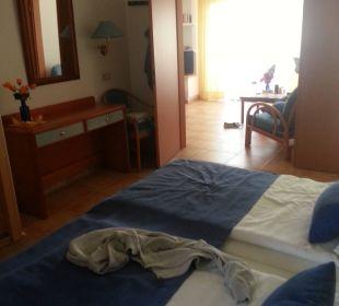 Schlafzimmer, hinten Wohn-Ess-Bereich Suitehotel Monte Marina Playa