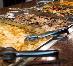 Buffet variado Hotel Xaine Park