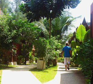 Der Weg zum Zimmer C&N Kho Khao Beach Resort