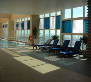 Poolanlage 31. Etage Hotel Grand Millennium Al Wahda Abu Dhabi