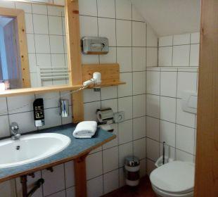 Waschbecken und Toilette Hotel Gartnerkofel