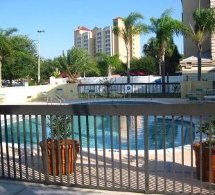 Kleine Poolanlage La Quinta Inn Orlando Universal Studios