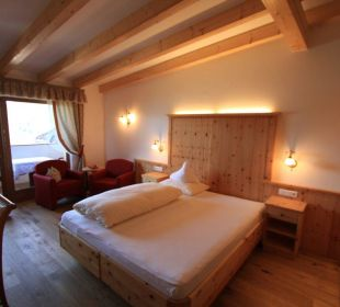 "Chambre type ""Pustertal"" vue extérieure Kronplatz-Resort Berghotel Zirm"