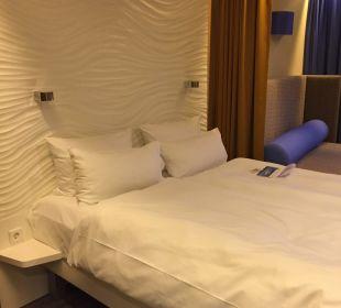 Doppelbett  a-ja Warnemünde. Das Resort.