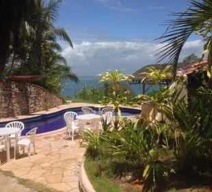 Blick vom Frühstück auf Pool und Meer Hotel Pousada Colibri