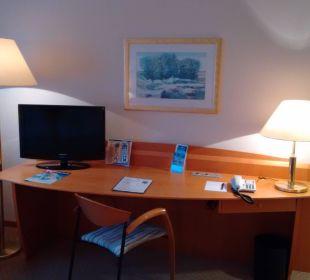 Schreibtsch und Flachbildschirm Hotel Meerane