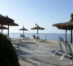 Liegen auf der Terrasse JS Hotel Cape Colom