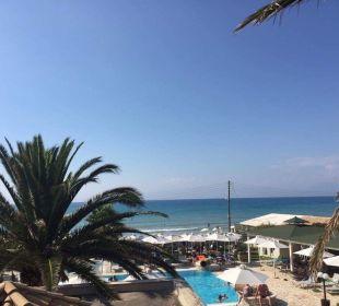 Pool- /Meerblick Hotel Acharavi Beach