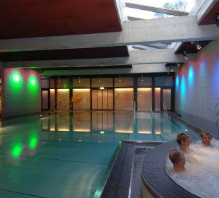 Hallenbad mit Whirlpool Hotel Zentrum Ländli
