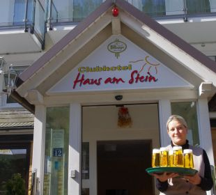 Junior Chefin mit Welcome Drink  Hotel Haus am Stein