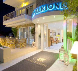 Entrance Hotel Alkyonis