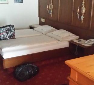 Bett von Sitzgruppe aus Hotel Bellevue & Austria