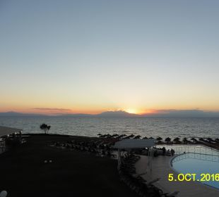 Blick vom Balkon zum Sonnenuntergang Hotel Istion Club & Spa