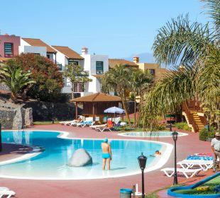 Piscina Hotel Oasis San Antonio