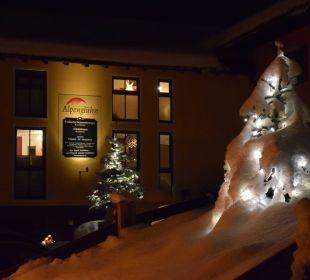 Alpenglühn Frontansicht Winter Apartments Ferienparadies Alpenglühn