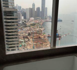 Aus der Badewanne Renaissance Harbour View Hotel Hong Kong