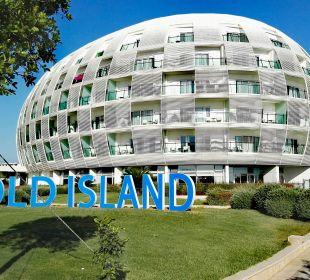 Blick aufs Hotel von Poolbereich. SENTIDO Gold Island