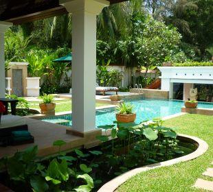 Blick auf Pool und Garten Hotel Banyan Tree Phuket