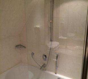 Bathroom Hotel Holiday Inn Nürnberg City Centre