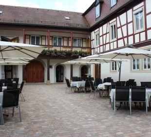 Schlossinnenhof  Hotel Schloss Döttingen
