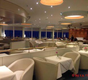 Die bekannte und gemütliche Skybar, 19. Etage Hotel Neptun